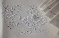 elegancki haft makowski wykonywany ręcznie