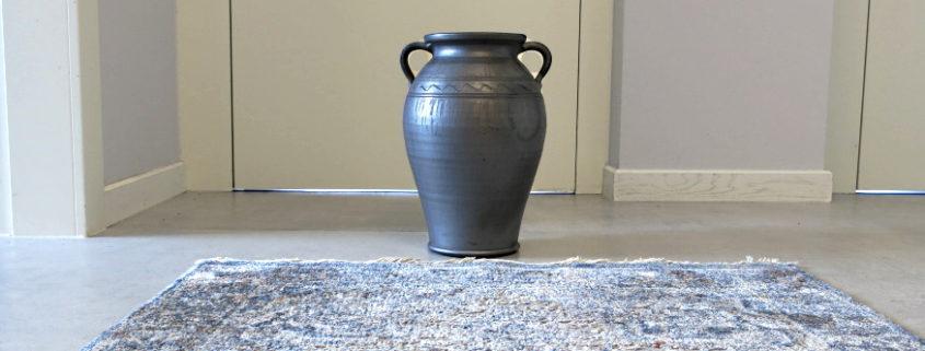 ceramika siwa w przedpokoju