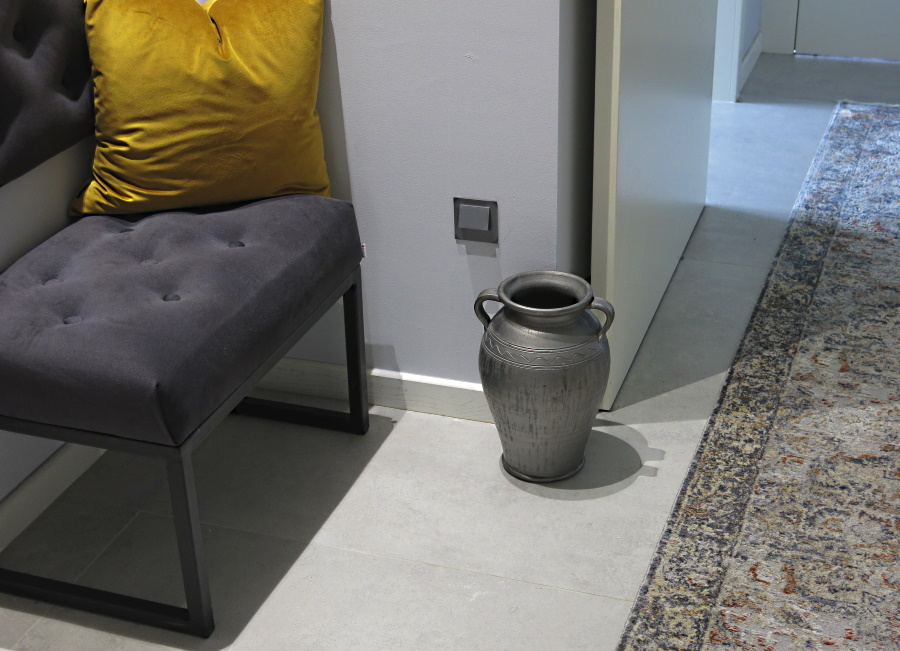 ceramika siwa dekoracja przedpokoju
